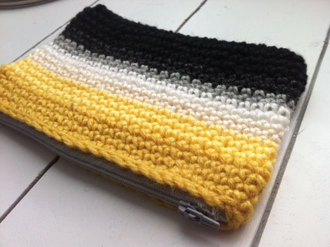 crochet yellow zipper bag