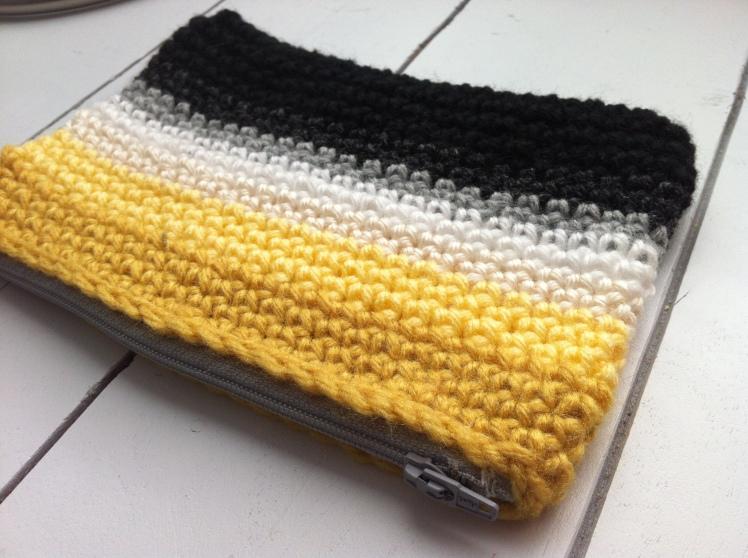 crochet yellow zipper bag