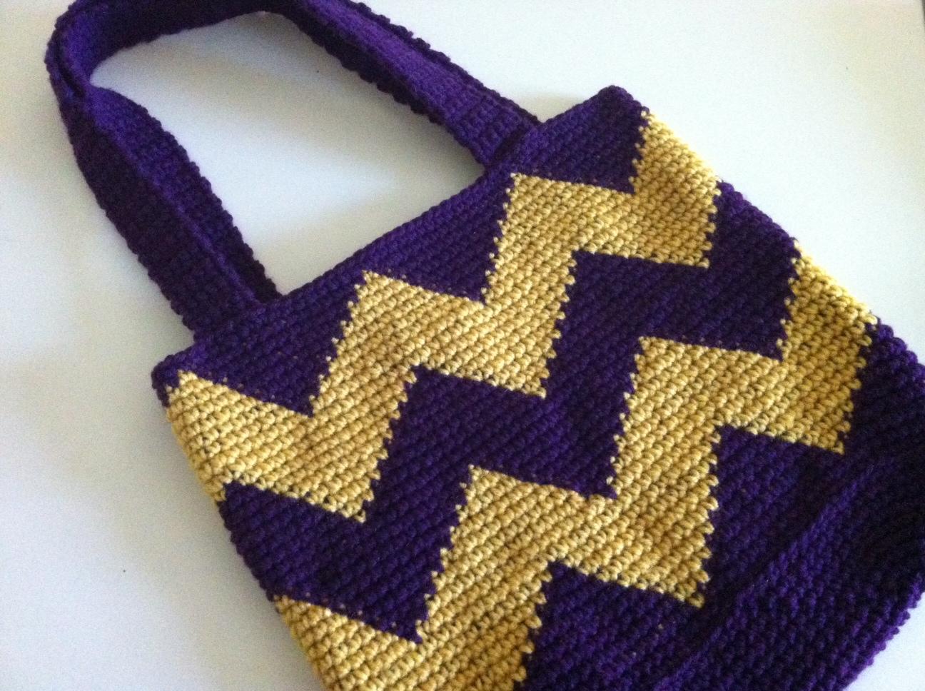 Free Crochet Chevron Purse Pattern : Crochet Chevron Tote chucksforchancho