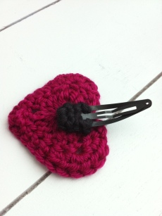 crochet heart hair clip