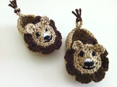 crochet lion shoes