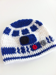 r2d2 crochet hat